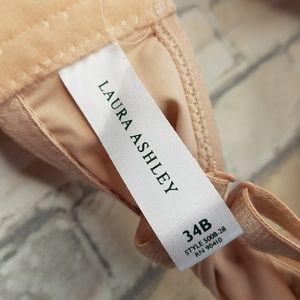 Laura Ashley Intimates & Sleepwear - Laura Ashley Push Up Bra 34B ---B2